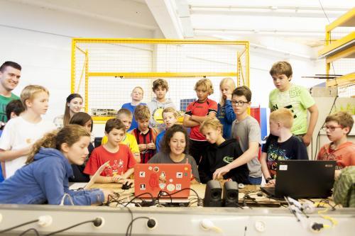 Maker United 10/10 - Meet&Code - Social distancing